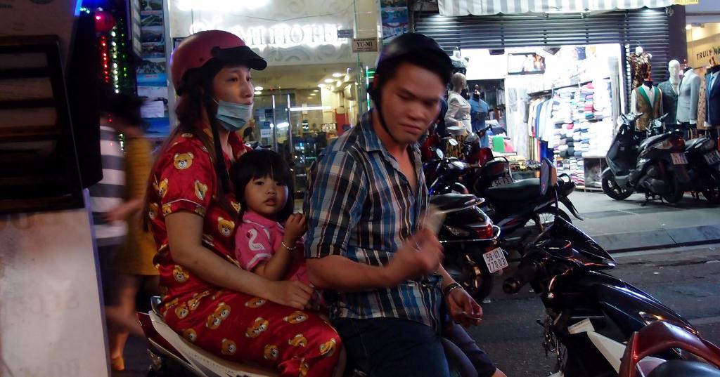 A Stroll around Saigon-pc022353crop-jpg