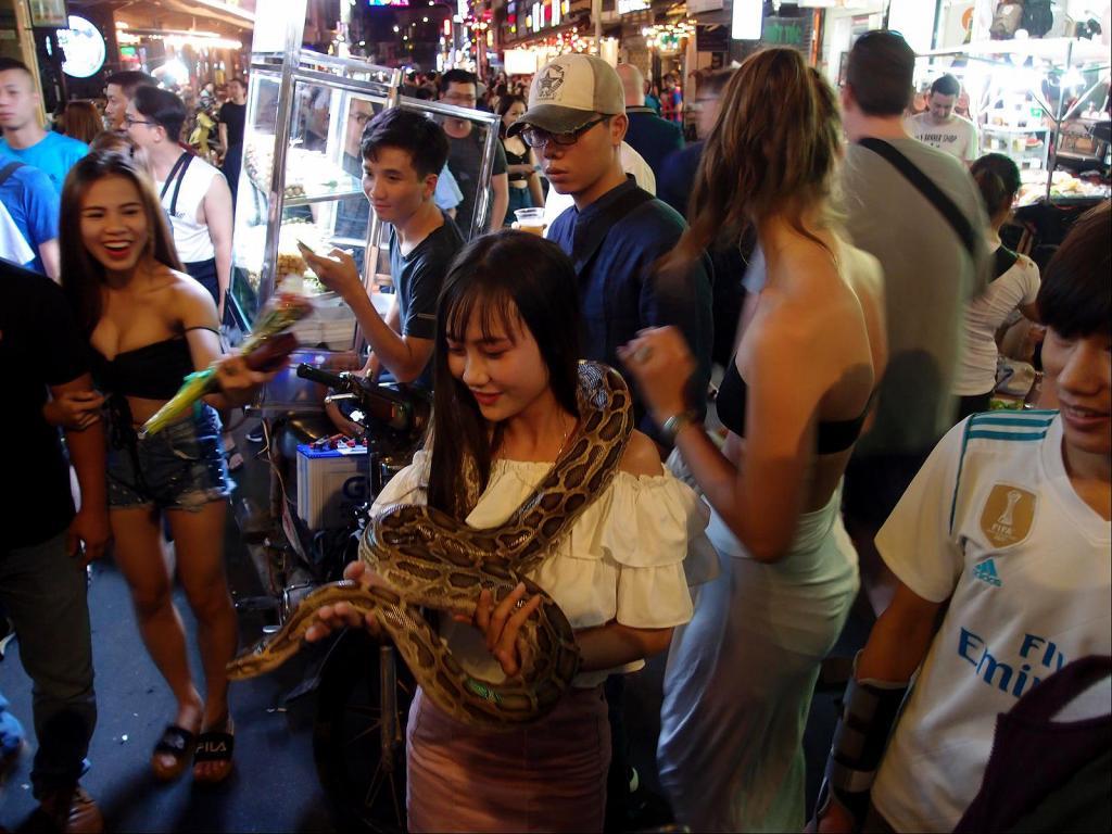 A Stroll around Saigon-pc022379-jpg